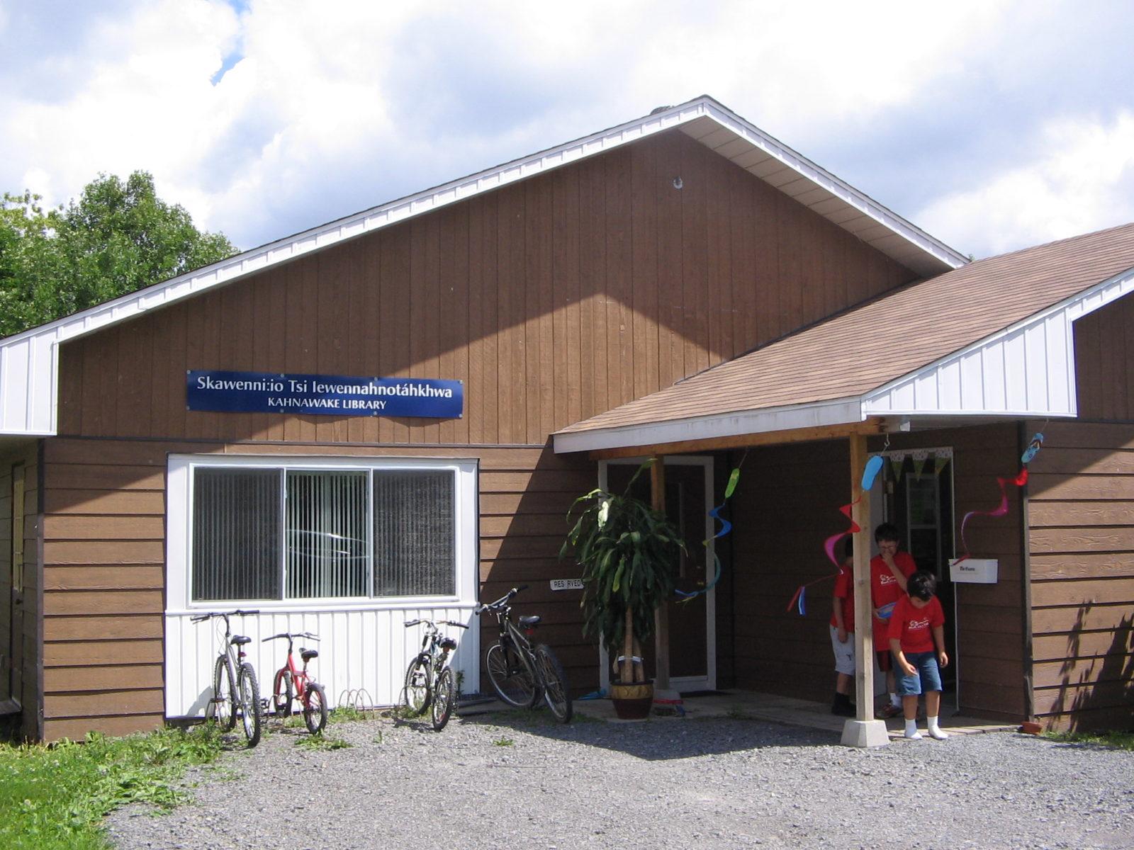 kahnawake temporary library building